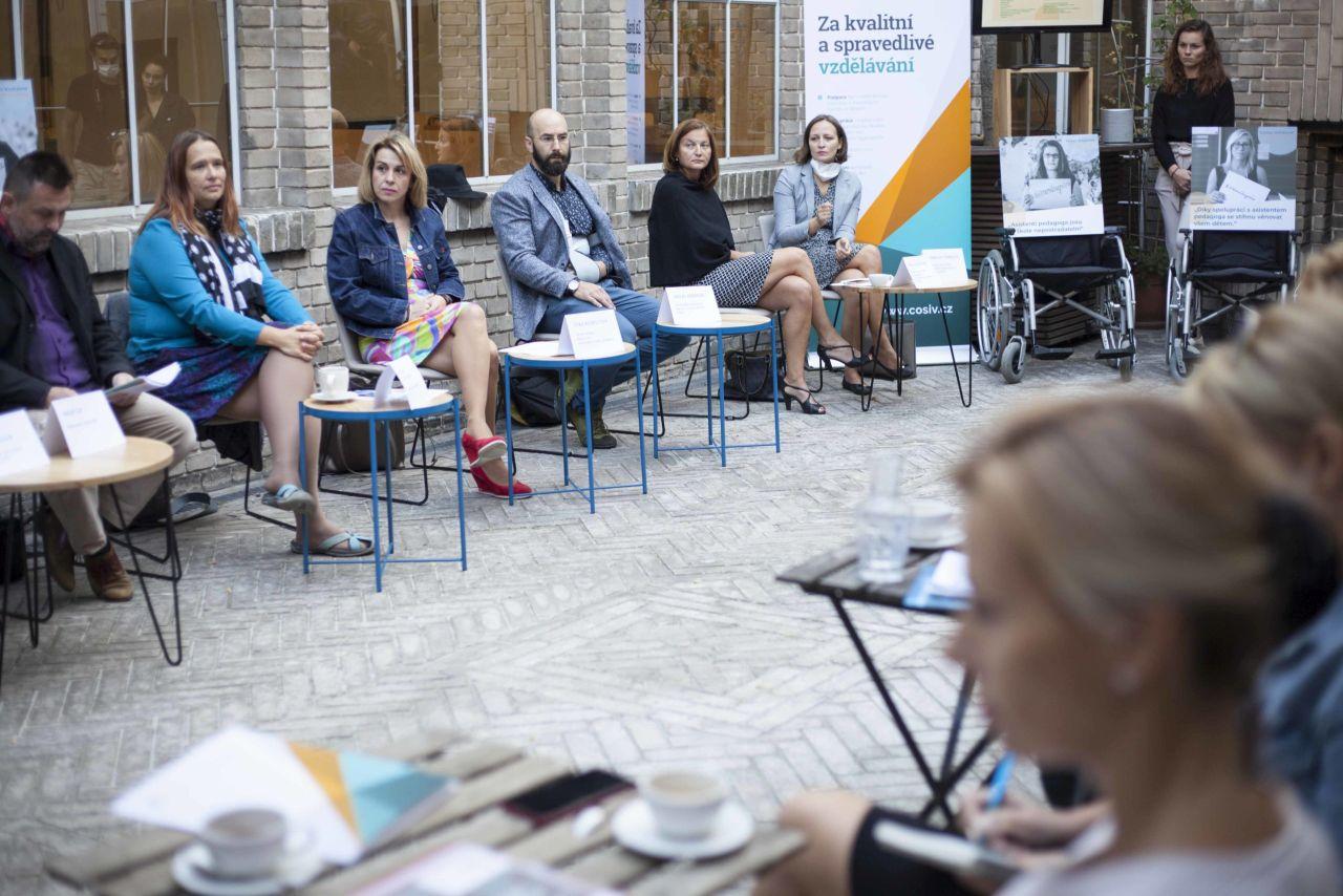 TZ: Pedagogové a odborníci k novele vyhlášky o inkluzi: Ministerstvo má jiné možnosti, jak zefektivnit systém, než škrtat podporu nejzranitelnějších
