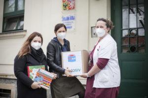 Věnovali jsme více než tři stovky knih dětským oddělením 10 psychiatrických nemocnic